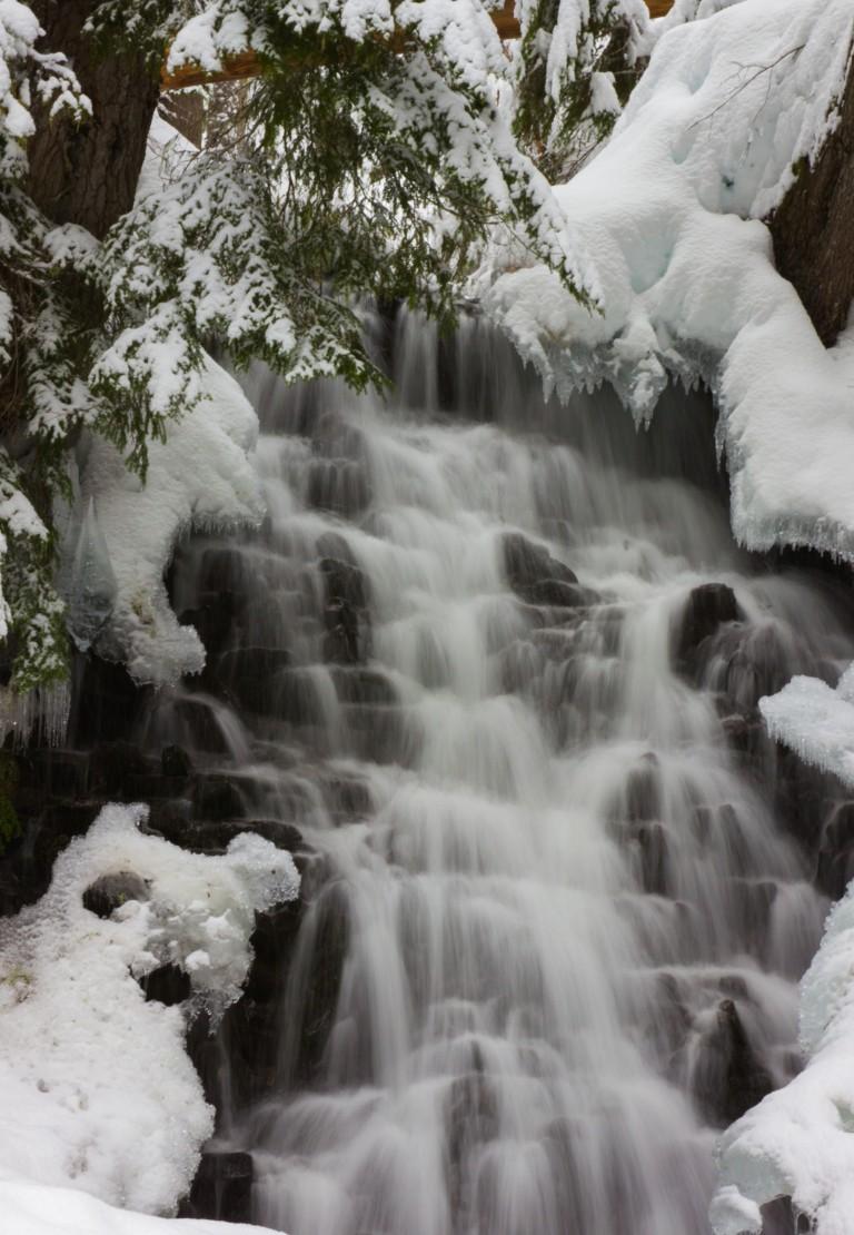 200118wpsnowshoewaterfall.jpg